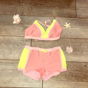 Two piece bathing suit 👙 Bikini top and shorts!